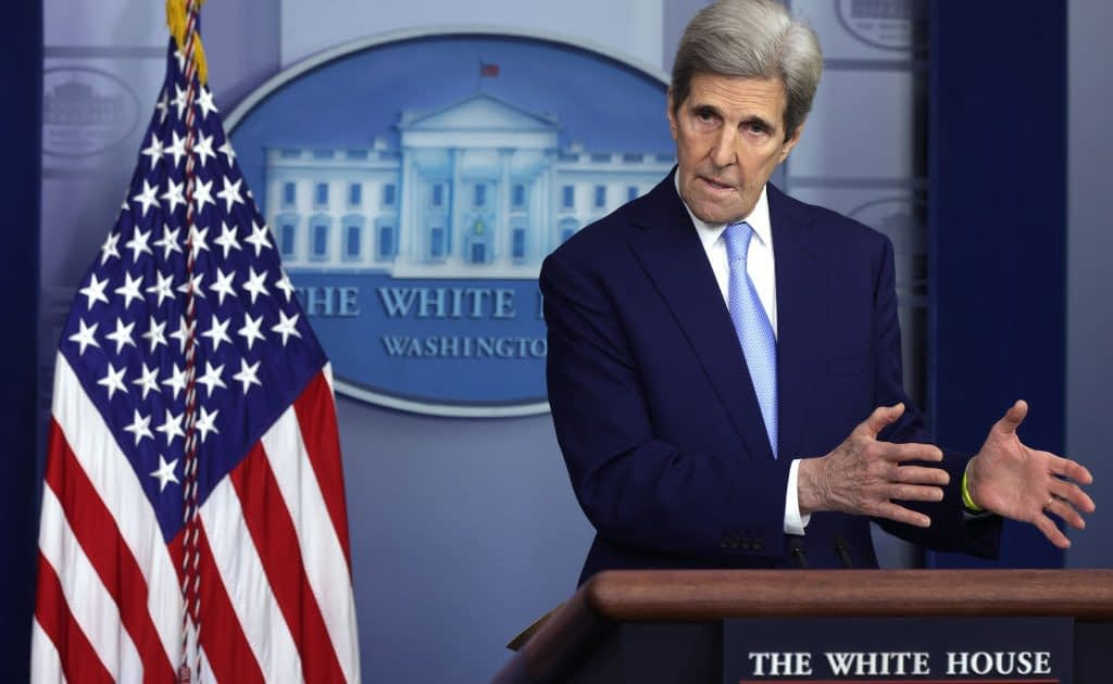 Kerry Falsely Claims To 'Remove CO2 From Atmosphere'